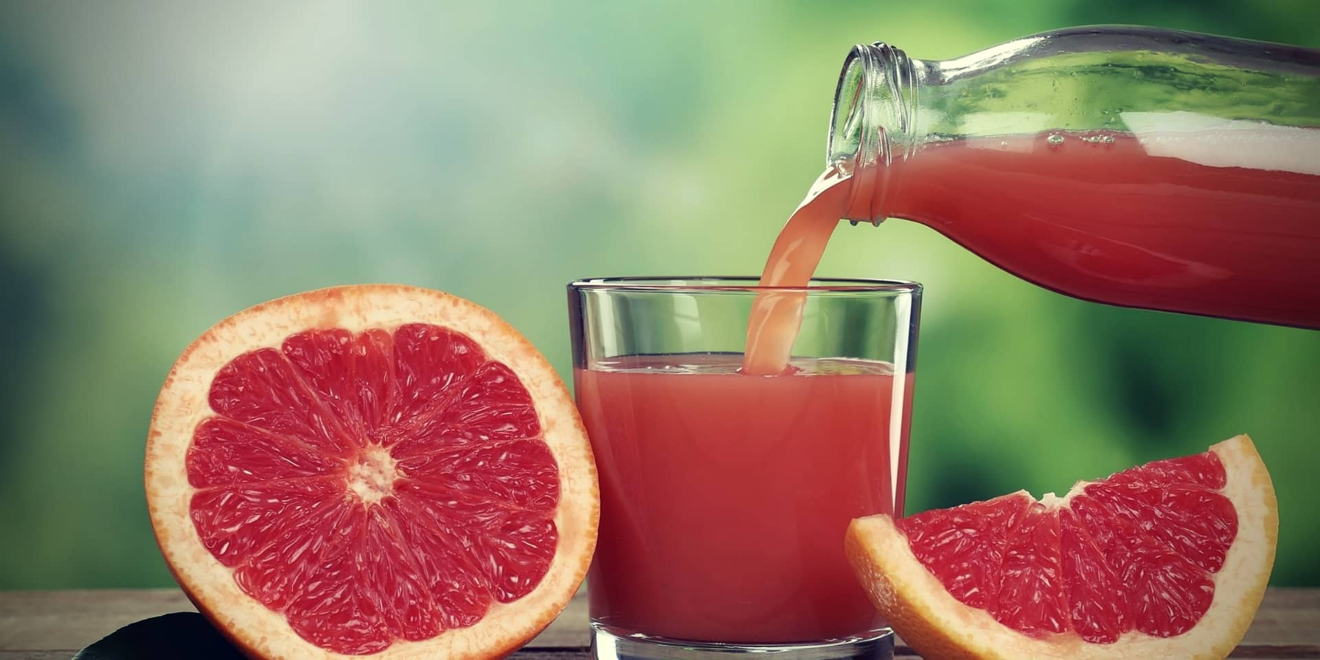 Grapefruit Juice and Kratom Grapefruit juice pouring into a glass