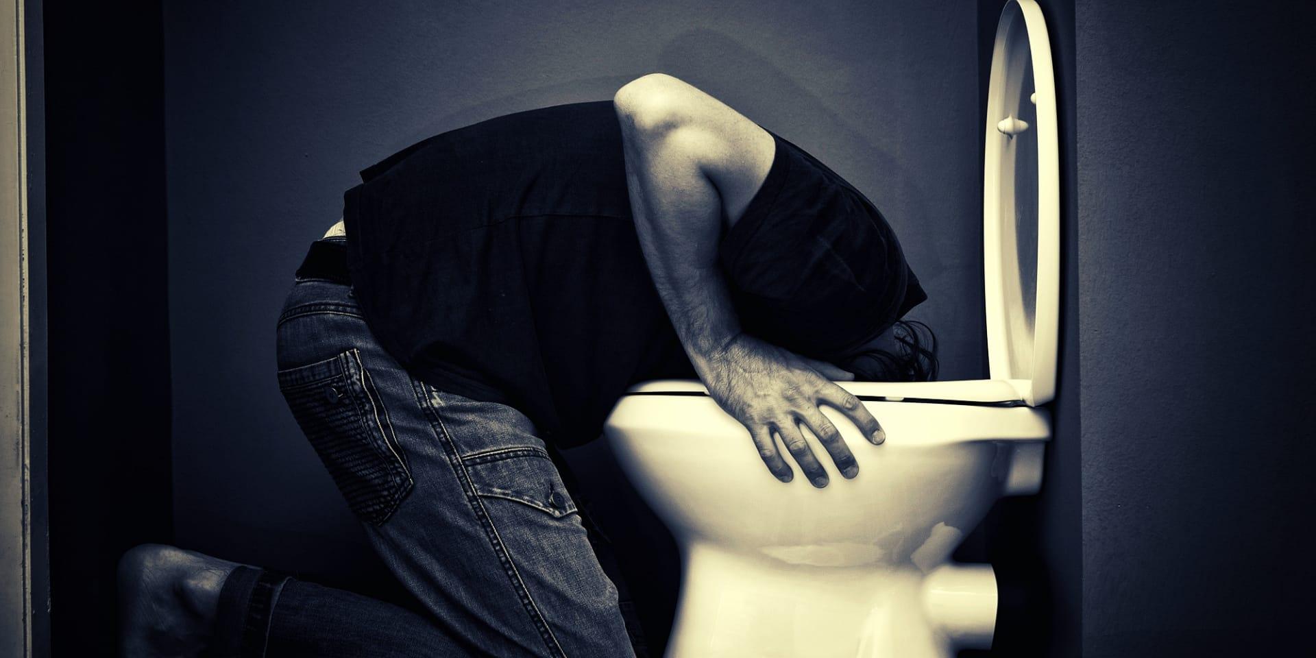 Kratom Nausea Man vomiting